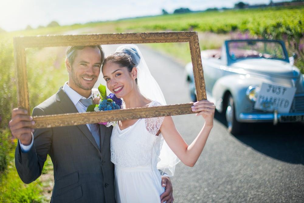結婚式の写真を盛り上げる撮影小物やフォトプロップスをご紹介