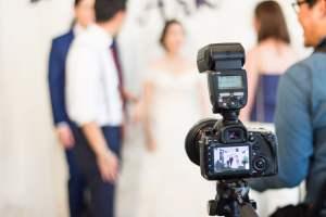 結婚式のカメラマンを外注に決めたら、抑えておくべきチェック項目!
