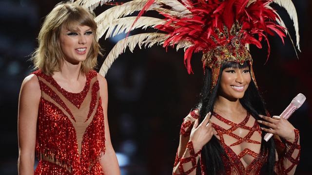 Nicki Minaj and Taylor swift performing at last year's vmas