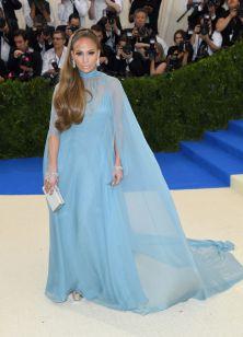 Jennifer Lopez in Maison Valentino