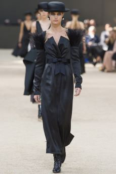 http---bae.hypebeast.com-files-2017-07-chanel-2017-fall-couture-collection-51