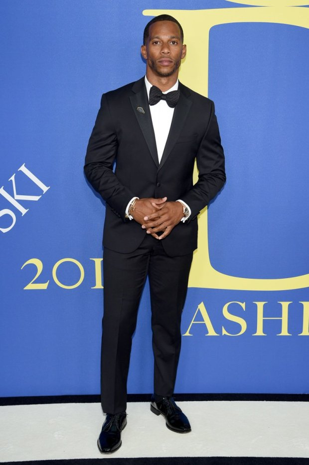 Victor Cruz wearing a Vera Wang tuxedo to the CFDA Awards. Picture by Getty Images