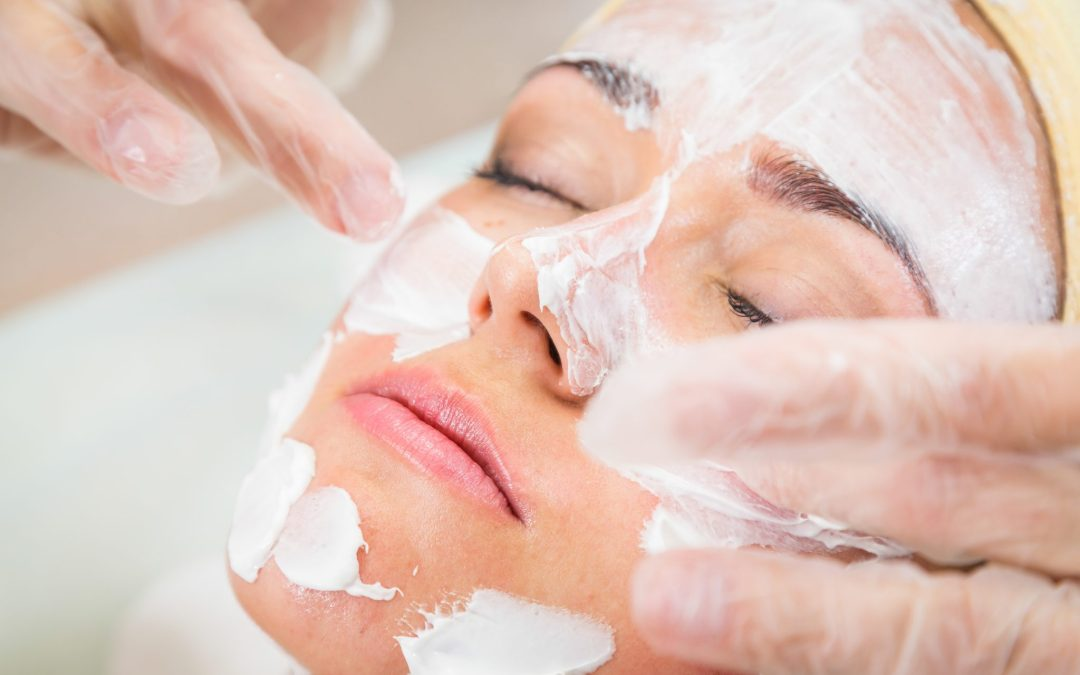 5 Reasons To Get A Professional Facial