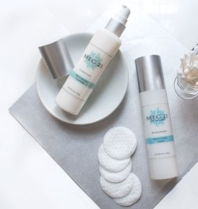 Moisturizing Cleanser and Toner with cotton pads
