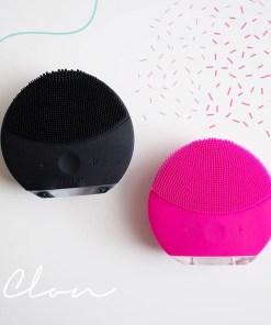 Cepillo facial foreo forever color rosado y negro limpiadores faciales mega bahía