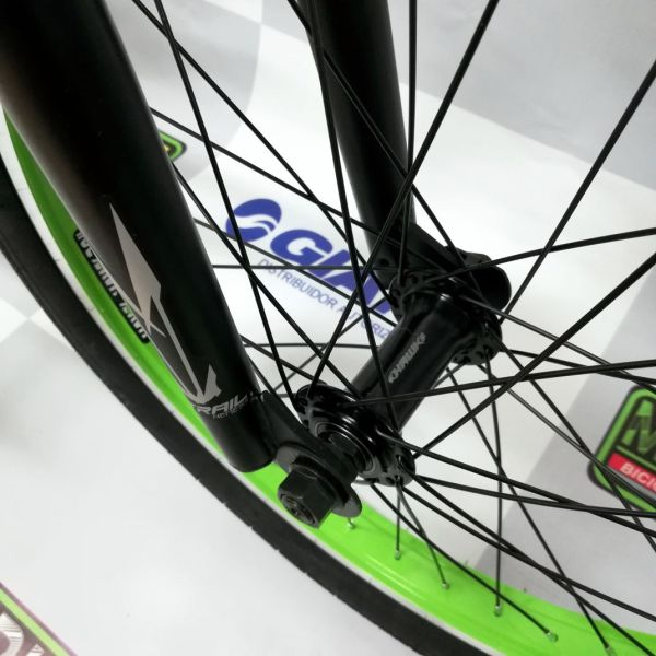 bicicleta-para-jovenes-hacer-trucos-saltos-bmx-parque-street-ontrail-nemesis-guayaquil-9.jpg