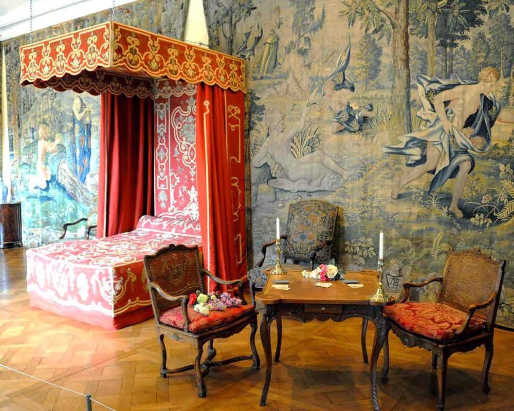 Castillo de SullysurLoire Chteau de SullysurLoire