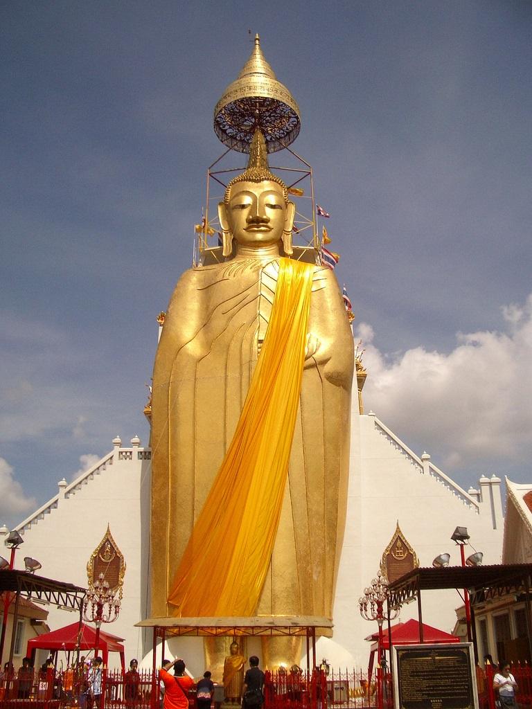 Buda Del Templo Intharawihan Megaconstrucciones Extreme