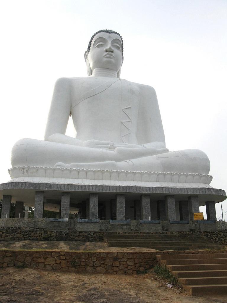 Buda Samadhi en Kurunegala  Megaconstrucciones Extreme