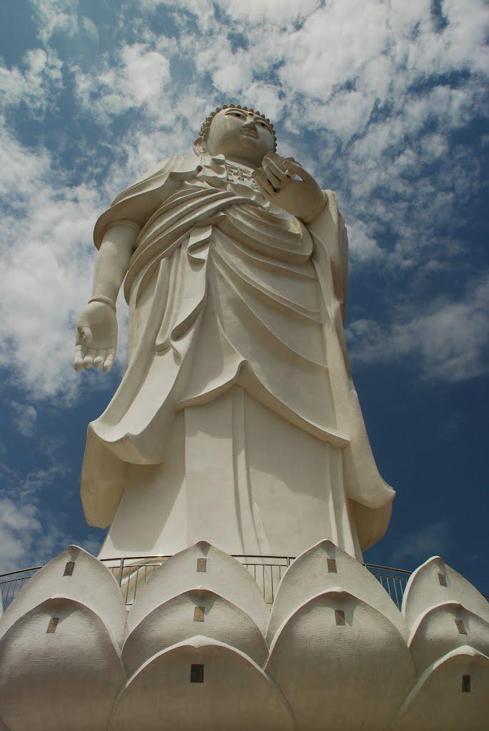 Gran Buda Del Templo Phothikyan Phut Thak Tham