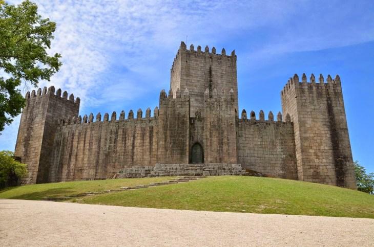 Castillo de Guimarães - Megaconstrucciones, Extreme Engineering