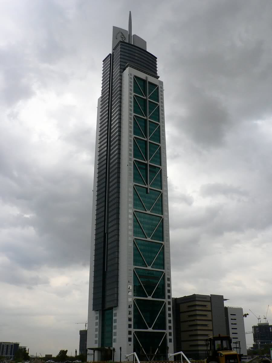 Millennium Tower Dubai  Megaconstrucciones Extreme