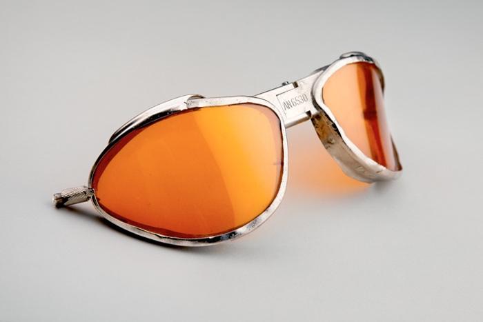 U.S. Navy aviator goggles  1940s American Optical, USA metal, glass