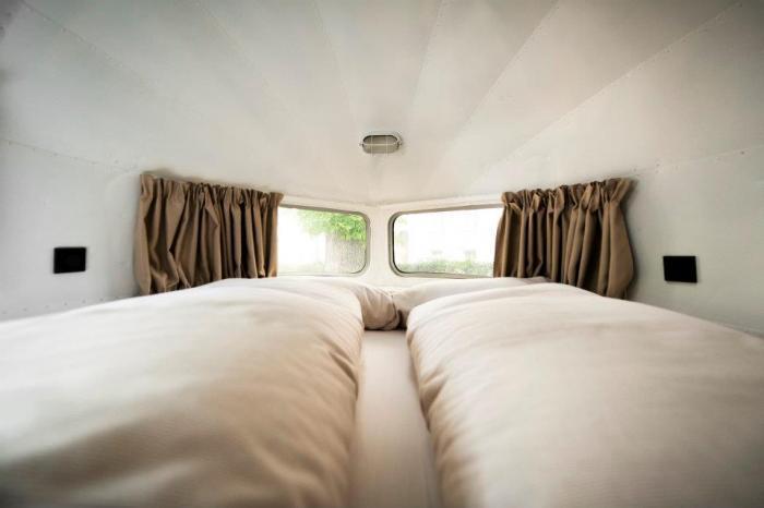 1952 Airstream – Daniel Rooms Trailer :: Vienna, Austria (5)