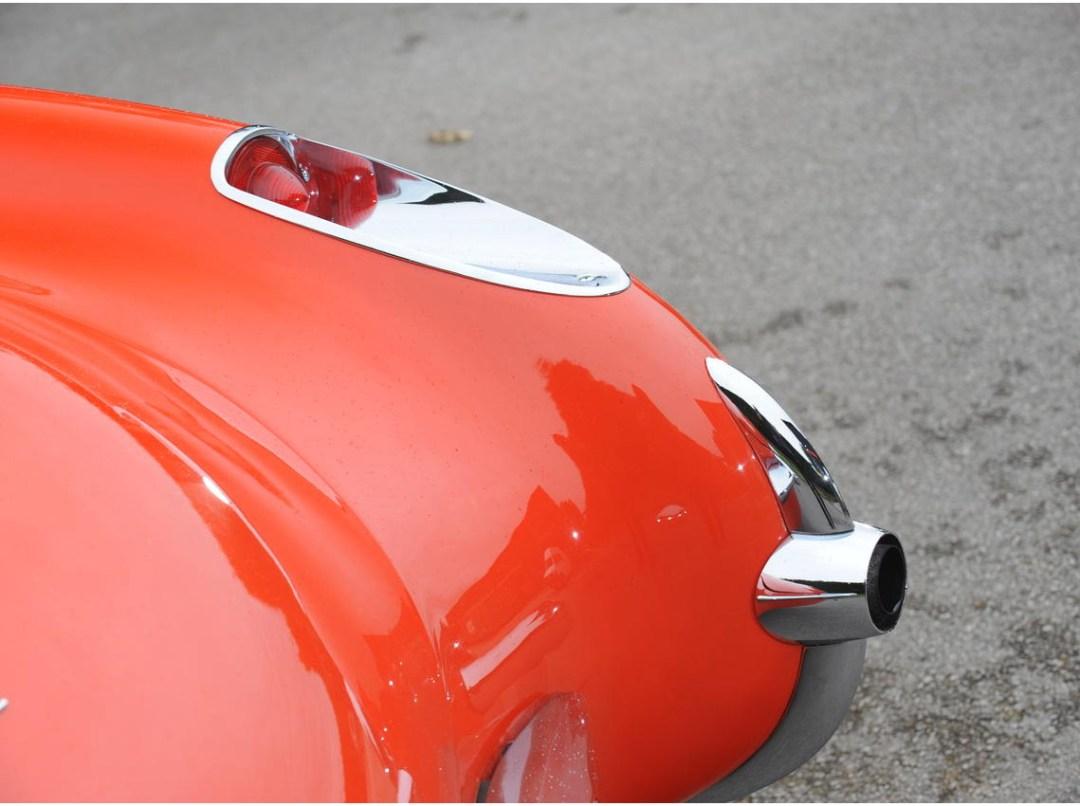 1957 Chevrolet Corvette Roadster (5)