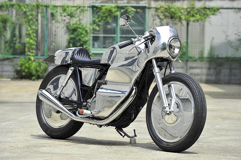 MOTO-CYCLE :: Yamaha SR400 under Kurumazaka (2)