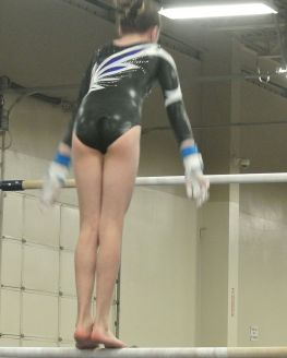 Queen of Hearts Invitational 2016 Bars Squat-On - Level 8