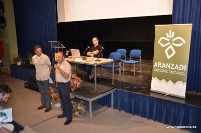 El alcalde de Auritz Joxepe Irigarai dando la bienvenida a los asistentes. Foto: Rafa Zubiria