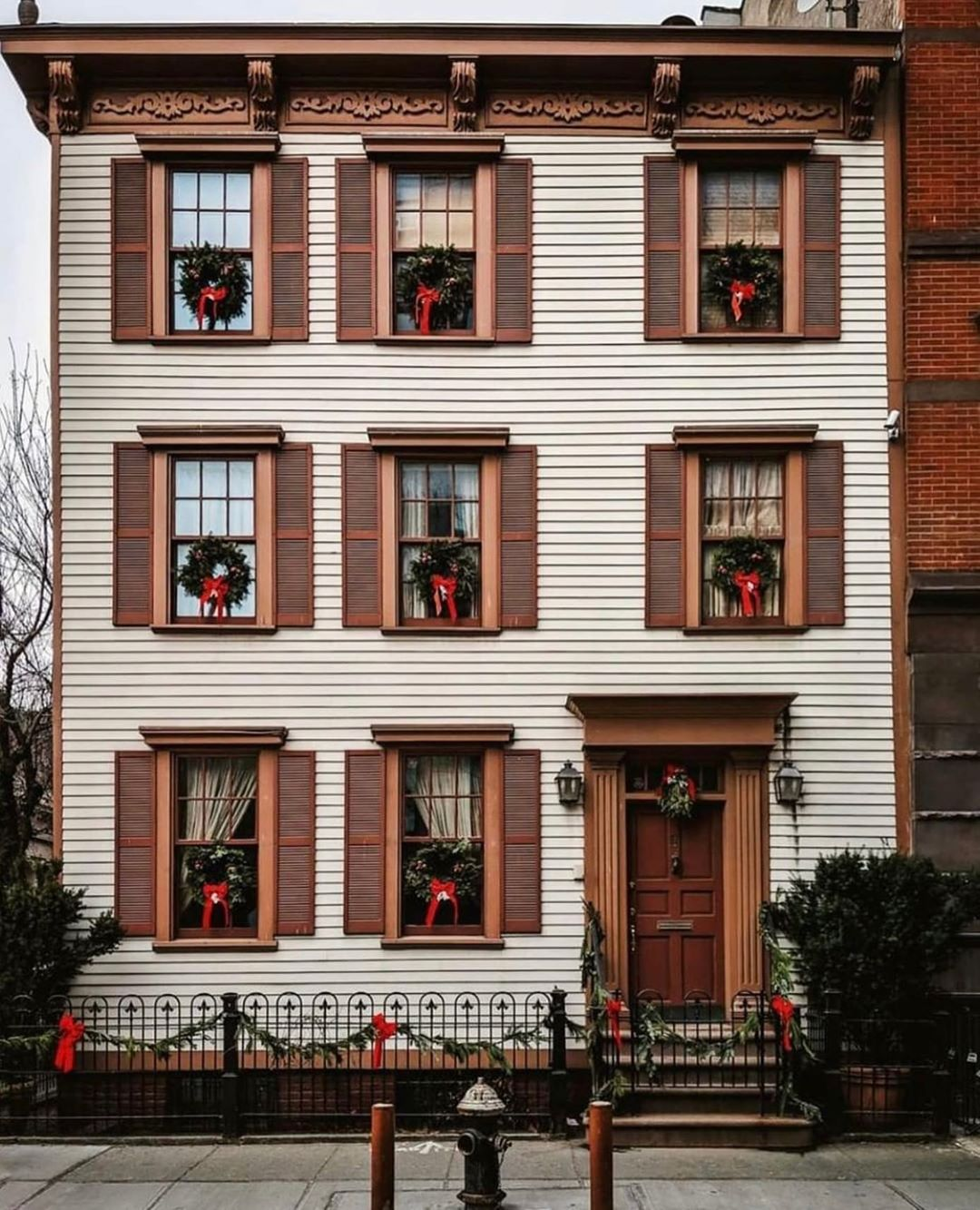 West Village holiday house magic ✨ via @curbed