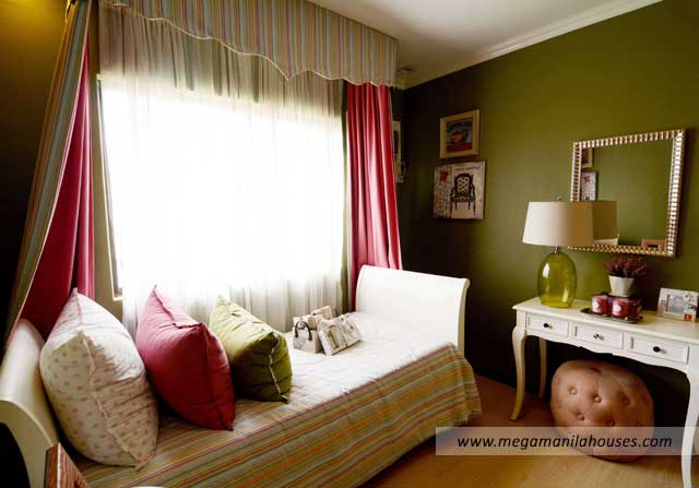 lladro-at-ponticelli-luxury-homes-for-sale-in-ponticelli-bacoor-cavite-dressed-up-bedroom3