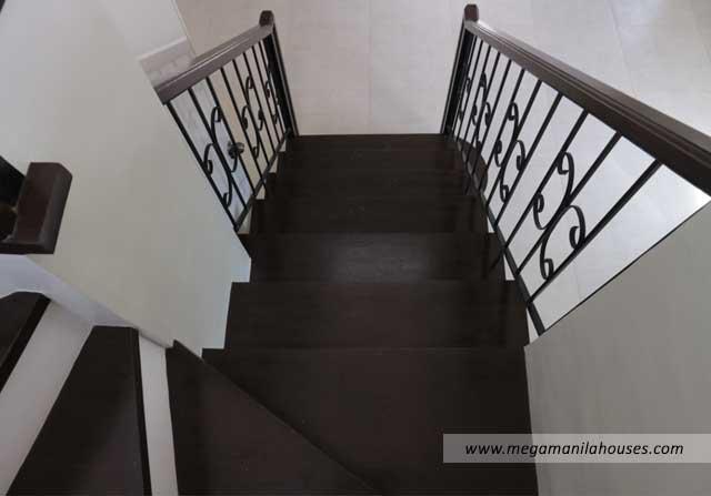 Designer Series 142 at Citta Italia - Luxury Homes For Sale in Citta Italia Bacoor Cavite Turnover Staircase