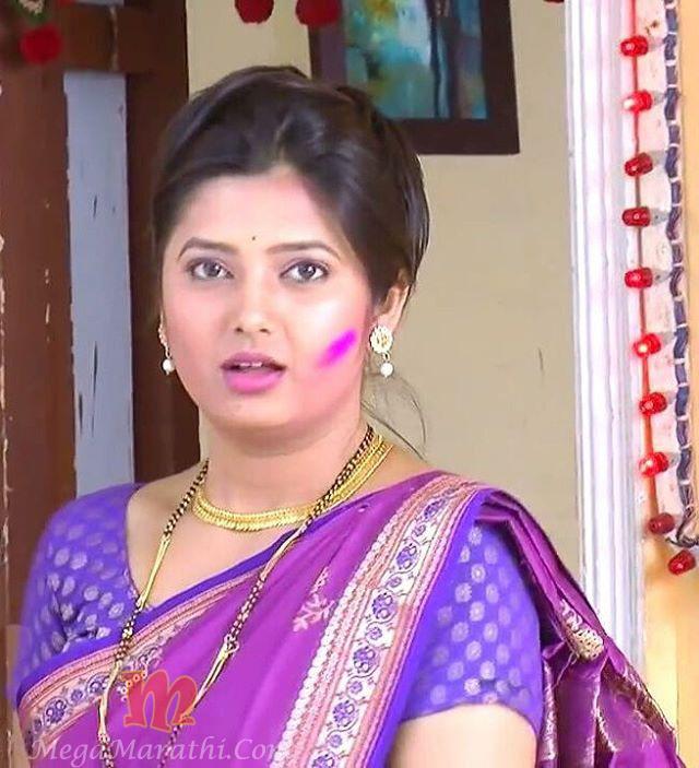 Surabhi Cute Wallpapers Prajakta Mali Marathi Actress Bio Hd Photos Hot Cute Meghana