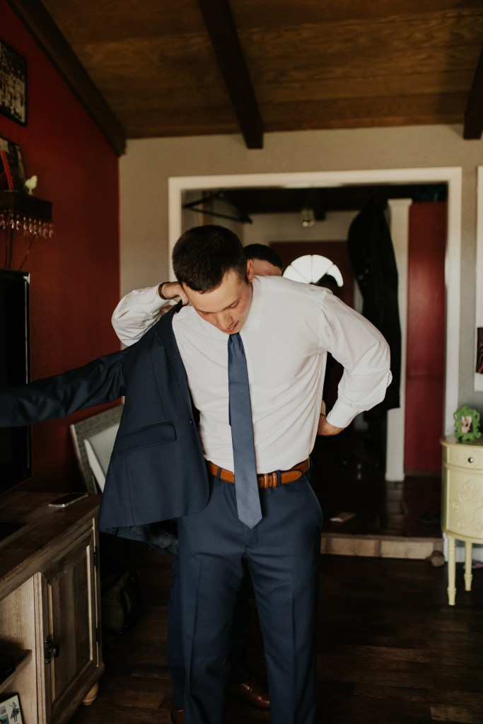 Megan Claire Photography | Northern California Wedding Photographer. Groom getting ready photos @meganclairephoto