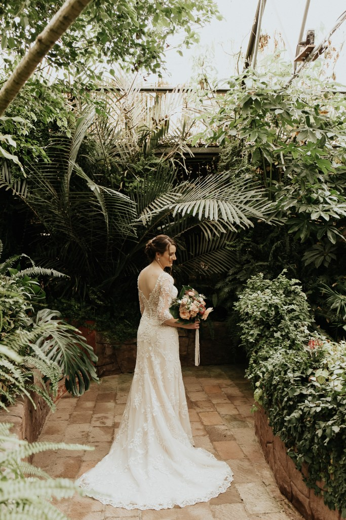 Megan Claire Photography | Arizona Wedding Photographer. Vintage inspired greenhouse arboretum wedding @meganclairephoto