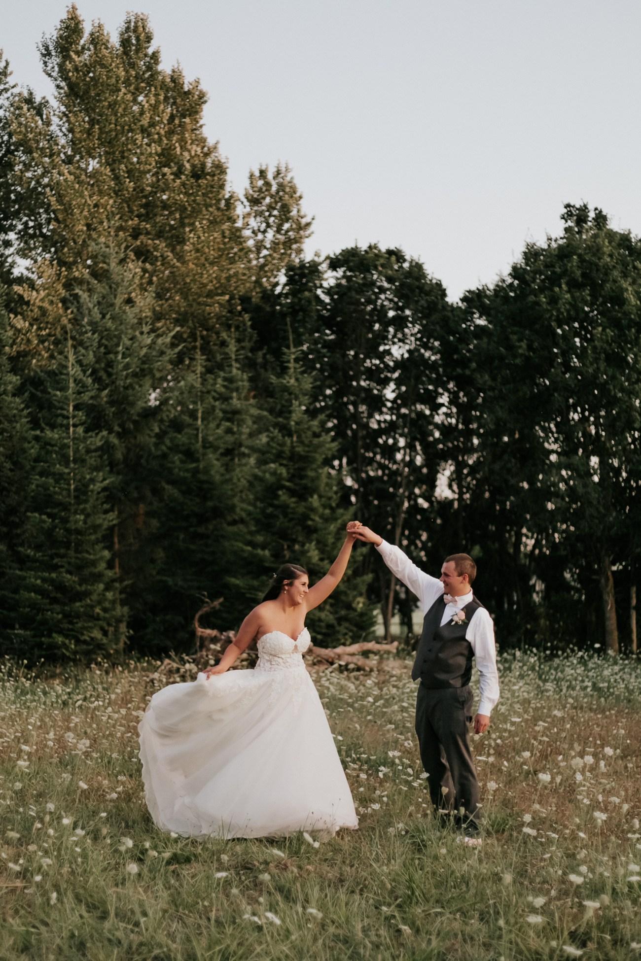 Megan Claire Photography | Arizona Wedding Photographer | Megan-Claire.com | Beautiful summer wedding in Portland, Oregon. Summer forest wedding inspiration.