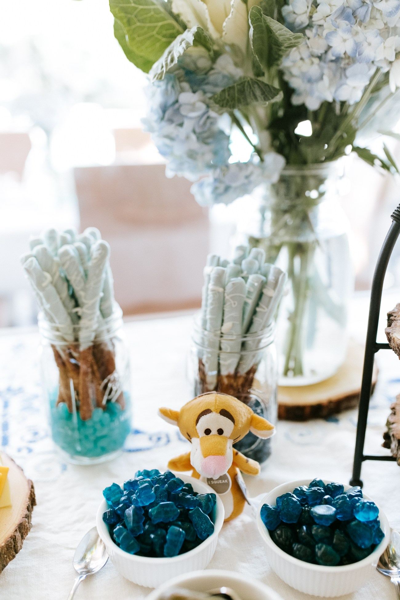 Megan Claire Photography | Phoenix Arizona Maternity and Newborn Photographer. Winnie the Pooh Baby Shower. Boy Baby Shower Ideas @meganclairephoto