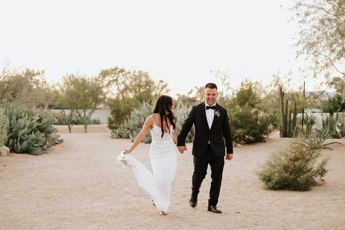 Megan Claire Photography | Arizona Wedding Photographer. Megan-Claire.com  Scottsdale Arizona Resort Wedding at Andaz Resort. Wedding photos of bride and groom @meganclairephoto