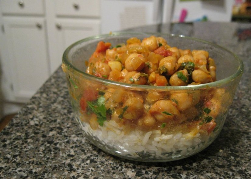 thai curried chickpeas with coconut rice