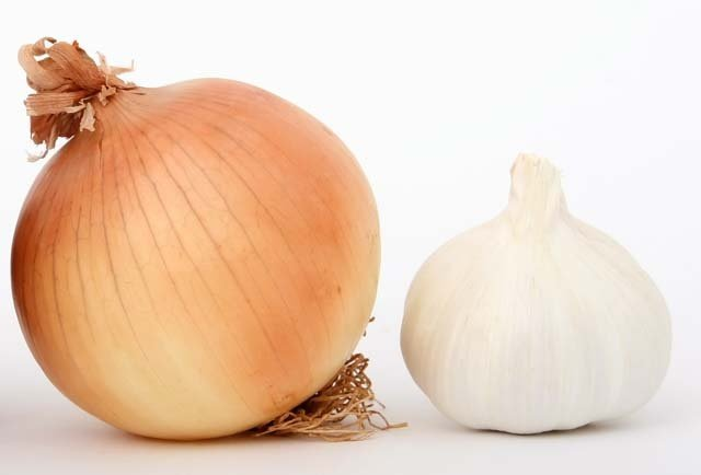 benefits of onion and garlic