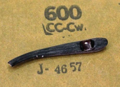 #600メッシュの耐水サンドペーパである程度表面をならしたところ。