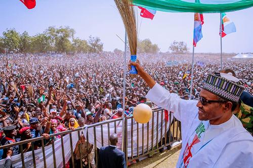 PHOTOS: Thousands throng Sokoto stadium for Buhari's campaign rally