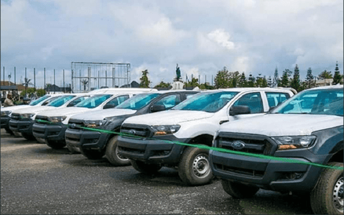 Irate Nigerians drag Imo State Governor for snubbing Innoson Vehicles