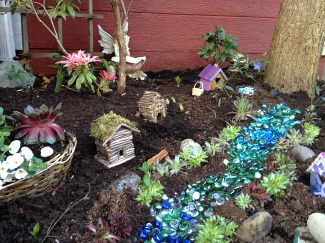 How To Build A Fairy Garden In 3 Easy Steps