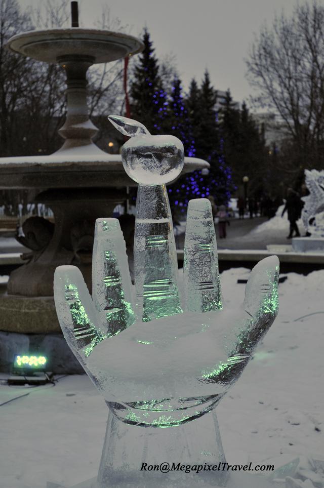 _RON7972-ice-sculpture