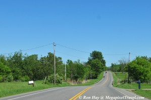 RON_3203-Amish-and-modern