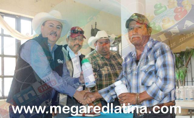 san-fernando-alcalde-entrega-apoyos-a-los-campesinos