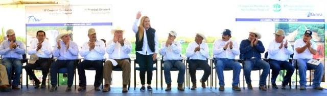 Inaugura Alma Laura Amparán el Primer Congreso