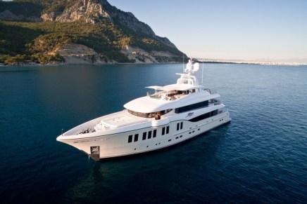 RÜYA: Espectacular mega yate de 41 metros por Alia Yachts