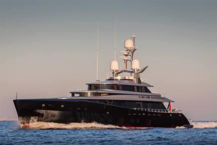 KISS – Este ultra lujoso mega yate es una colaboración entre Dubois Yachts y Feadship