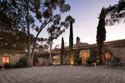 La actriz Ellen DeGeneres & Portia De Rossi ponen su impresionante mega mansión en Montecito , California a la venta por la suma de $45 millones