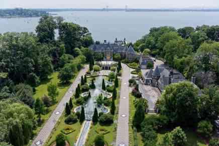 Echa un vistazo a esta ultra lujosa mansión de $85 MILLONES en Nueva York que una vez perteneció a un magnate soviético