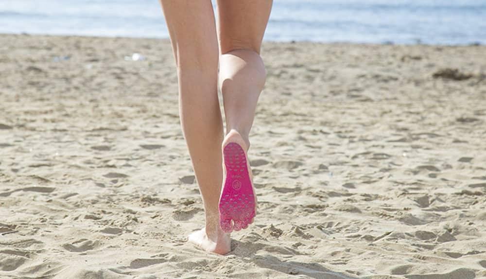 ¡Adiós chancletas! Las suelas adhesivas Nakefit son resistentes al agua, a prueba de cortadas y te protegen los pies del calor