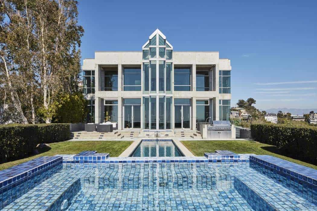 Skycastle ponen a la venta este majestuoso palacio en los for Casas modernas los angeles