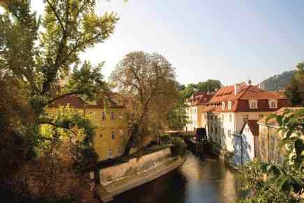 Descubre la histórica ciudad de Praga en barco con Mandarin Oriental, Praga