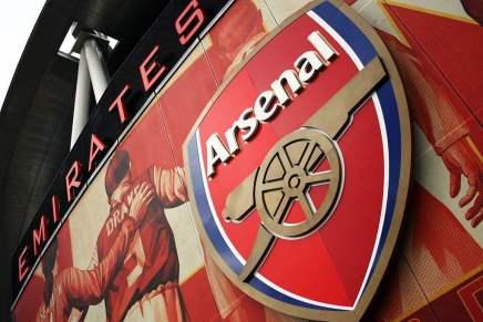 ¡Guerra de magnates por el Arsenal Football Club! Stan Kroenke le ofrece $695 millones a Alisher Usmanov por sus acciones