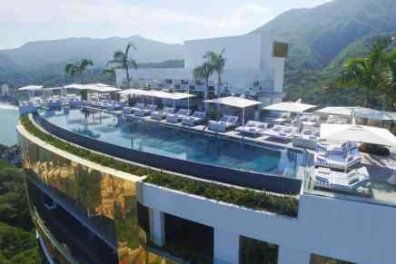 Disfruta de un servicio de primera clase en el Hotel Mousai, Puerto Vallarta – Adults Only
